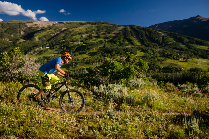 biking-summer-health-and-fitness-limelight-aspen