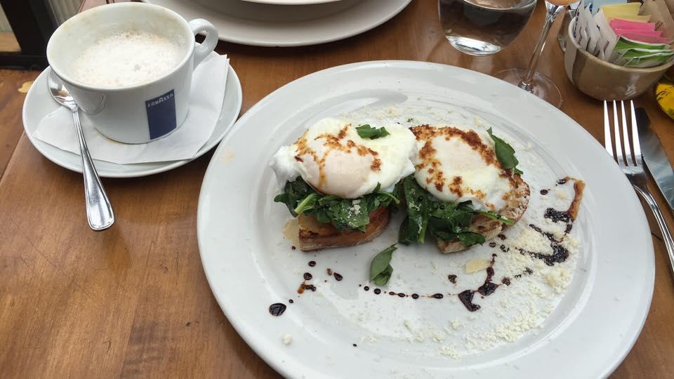 cristina's eggs Benedict